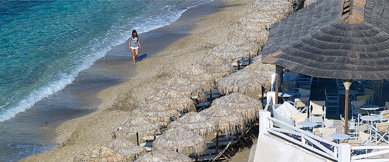 Beach_Bar_sea_beachtime_waves_endless_blue_crystal_relaxing_having_fun_summer_summertime_paliochori_Artemis_Deluxe_Rooms_Milos_island_Greece-e1617620669399